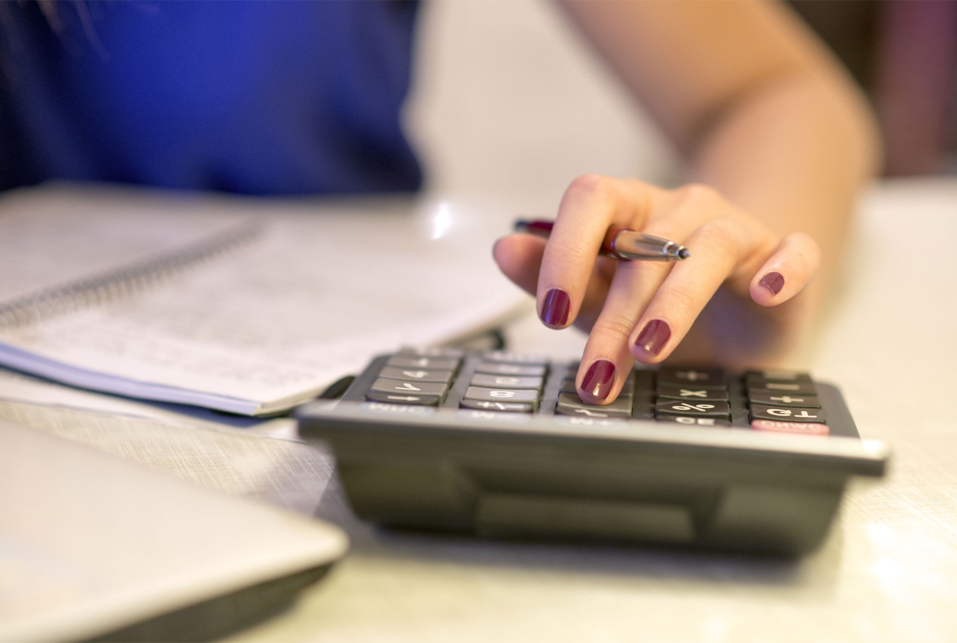 main sur calculatrice